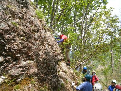 04岩登り開始.jpg
