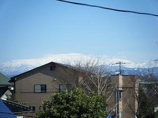家から月山.jpg